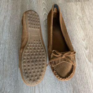 Minnetonka brown moccasins